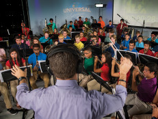 04-Conducting-the-Students_F8T8755